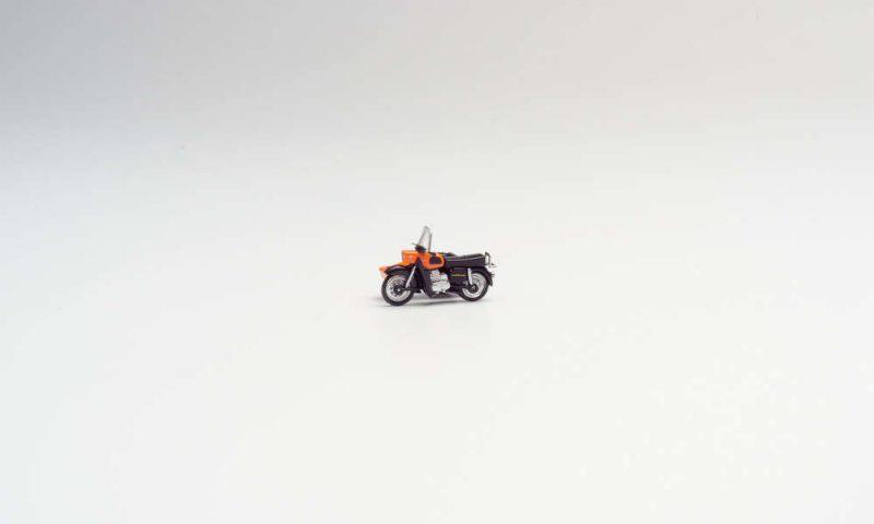 orange Herpa 053433-005 MZ 250 mit Beiwagen Modell 1:87
